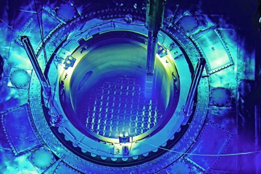 Offener Reaktorkern von dem Kernkraftwerk Beznau