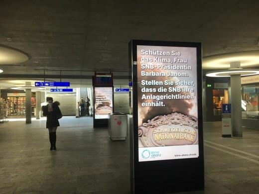 Plakatkampagne: SNB-Bankrat muss seine Aufsichtspflicht wahrnehmen