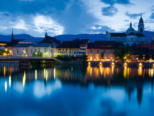 Nacht in Solothurn an der Aare, die schoenste Barockstadt der Schweiz.