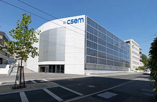 Photovoltaic building facade for CSEM